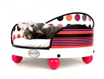 This Groovy Hug Bed Allows You To Completely Design The Look, Size And  Pillows To Suit Your Taste. Your Cat Will Have A Completely Unique Cat Bed.